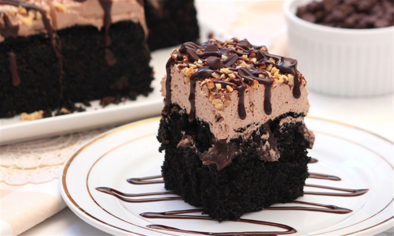tripple chocolate poke cake