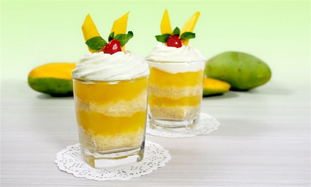 mango cake pudding in glass