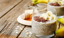 Oats with Banana and Chia Seeds